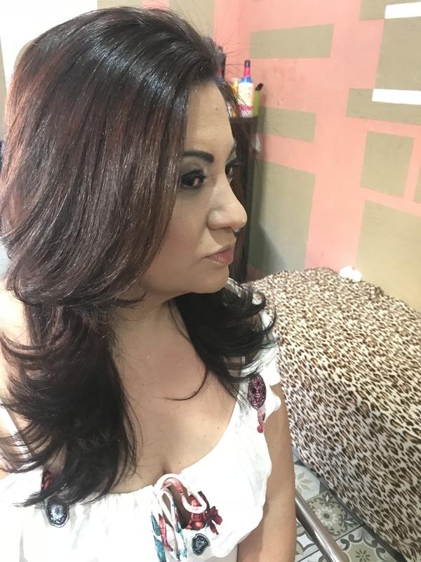 Escova e make  cabelo auxiliar cabeleireiro(a) cabeleireiro(a)