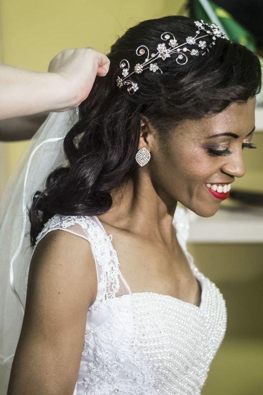 Preparação noiva cabelo cabeleireiro(a) maquiador(a) escovista designer de sobrancelhas depilador(a)