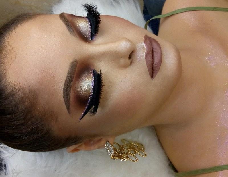 E o que falar dessa maquiagem?  Perfeita para formandas ♥️ Meu Instagram: @henrique_makeup  #makeup #maquiagem #make #maquiagemprofissional #maquiador #maquiadorprofissional #beauty maquiagem maquiador(a)