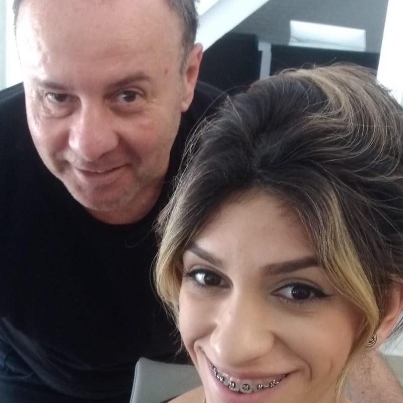 Penteado cabeleireiro(a) barbeiro(a) maquiador(a) designer de sobrancelhas depilador(a)