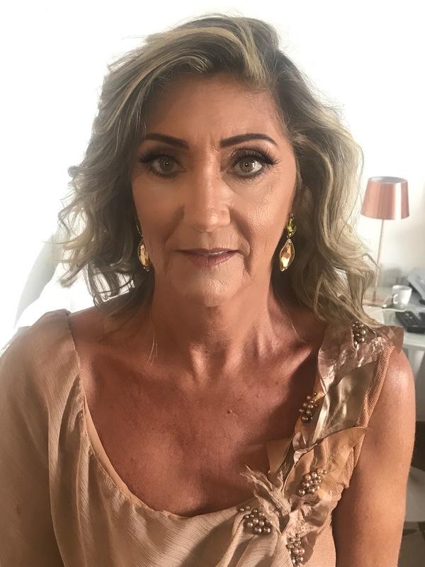 Mae da Noiva maquiador(a) cabeleireiro(a)