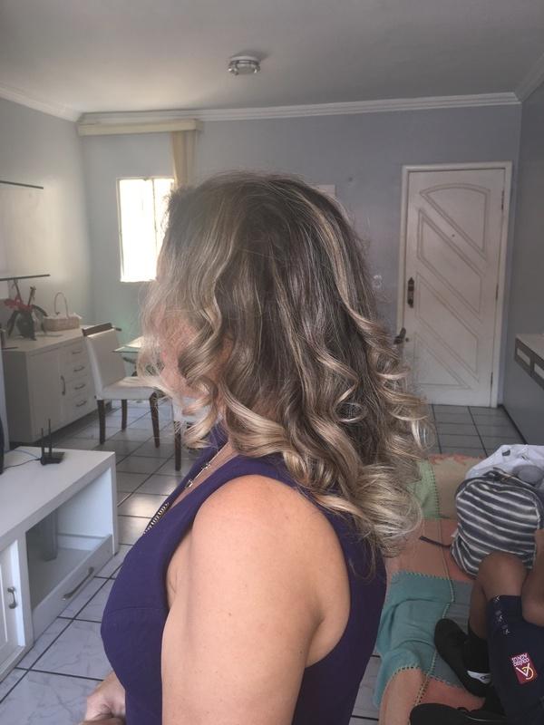 Um umbré hair bem delicado. cabelo cabeleireiro(a)