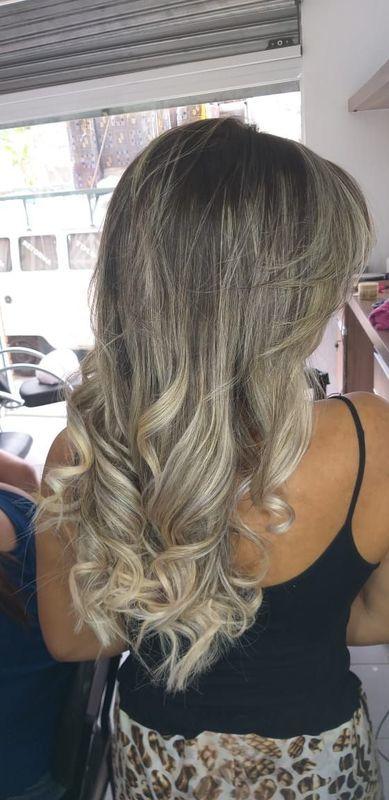 Alongamento e Ombre Hair cabelo cabeleireiro(a) auxiliar cabeleireiro(a) recepcionista