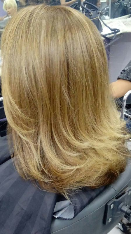 Corte Bob médio repicado cabelo depilador(a) auxiliar cabeleireiro(a)
