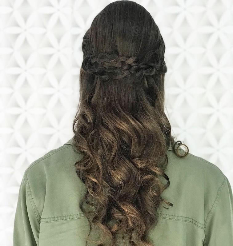 Penteado  cabelo cabeleireiro(a) maquiador(a) stylist / visagista