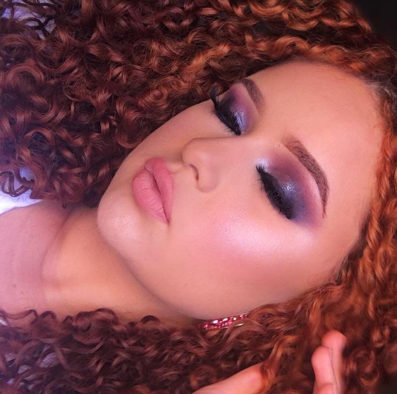 Make em tons de roxo. Batom utilizado nos olhos e como blush ❤️ maquiagem maquiador(a) designer de sobrancelhas
