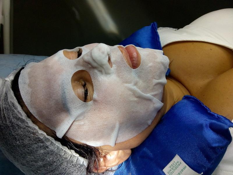 Limpeza de pele  estética biomédico(a) esteticista