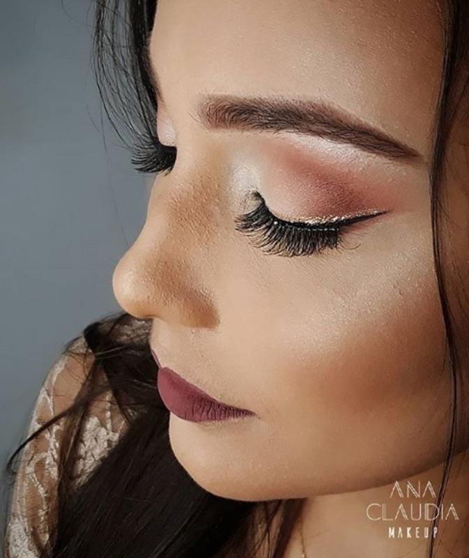 Maquiagem Social com delineado duplo #makeup #maquiagem  #instamakeup #wakeupandmakeup #makeupjunkie #lipstick #essence #matte #todaysmakeup #makeupcollection #makeuplips #lips #likeforlike #likeback #bblogger #fashion #beautyhacks #beautyblogger #beautypost #highlighter #brush #goldenrosei #penteado #perfect #inspiration #maquiagem #instablog #happy #makeupbyme #rondonopolis #matogrosso maquiagem maquiador(a)