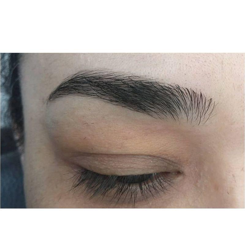 DESIGN de sobrancelhas outros cabeleireiro(a) auxiliar cabeleireiro(a)