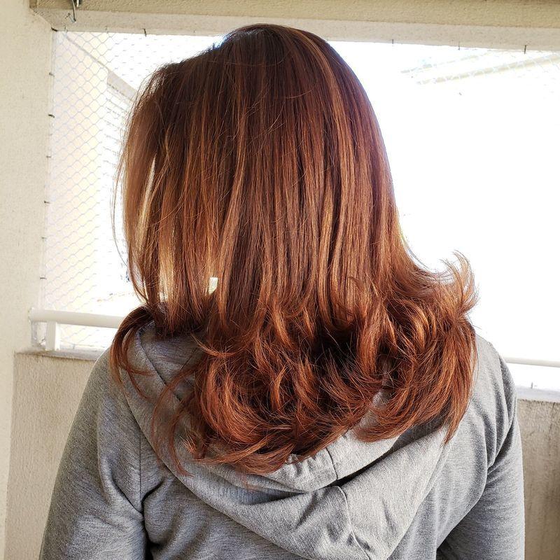 Corte, cor e tratamento capilar, acabamento de esvova modelada. cabelo cabeleireiro(a)