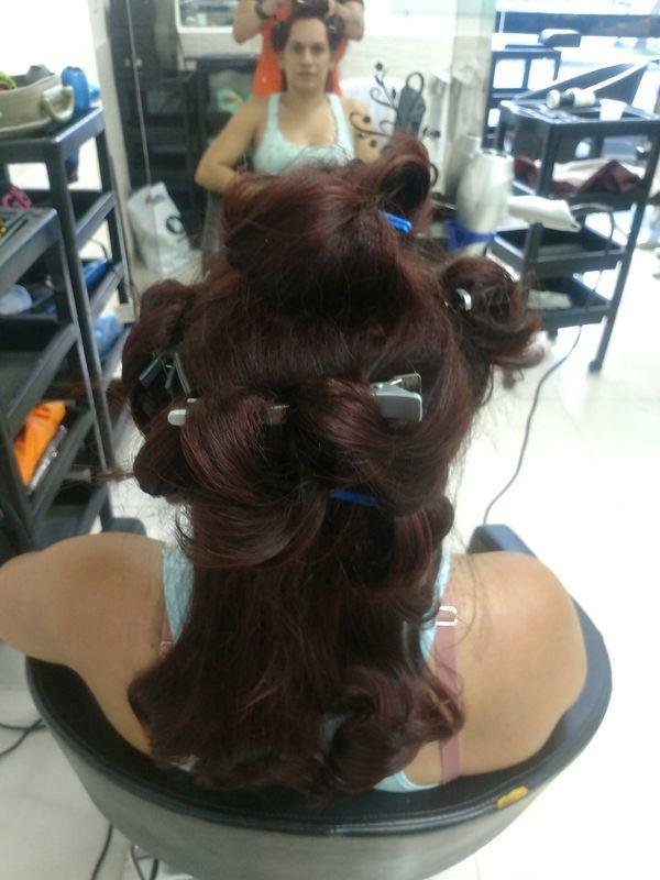 Coloração cabelo cabeleireiro(a) auxiliar cabeleireiro(a) designer de sobrancelhas