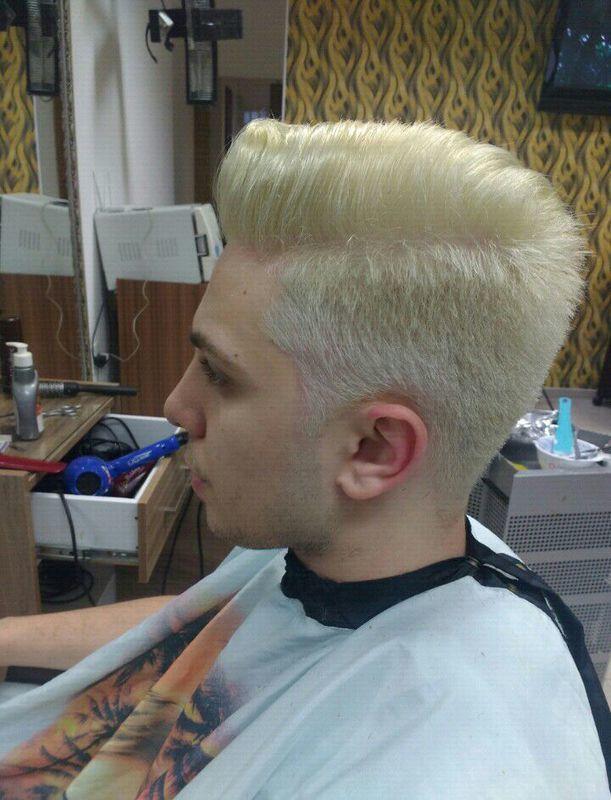 Descoloração. cabelo auxiliar cabeleireiro(a) barbeiro(a)