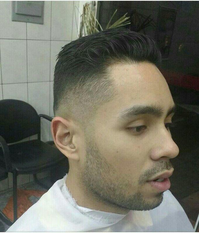 Graduação, degradê. cabelo auxiliar cabeleireiro(a) barbeiro(a)