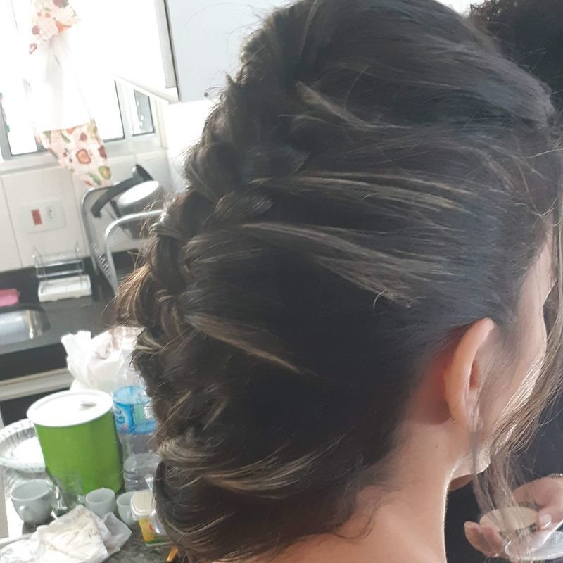 Noiva cabelo auxiliar cabeleireiro(a) recepcionista designer de sobrancelhas