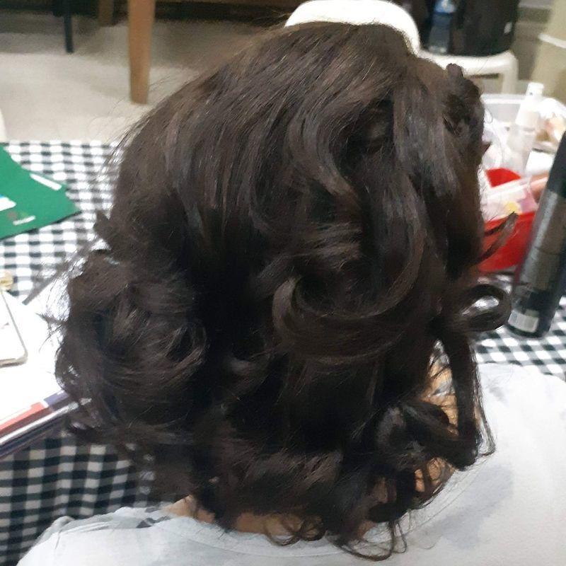 Teatro atrium , escova modelada cabelo auxiliar cabeleireiro(a) recepcionista designer de sobrancelhas