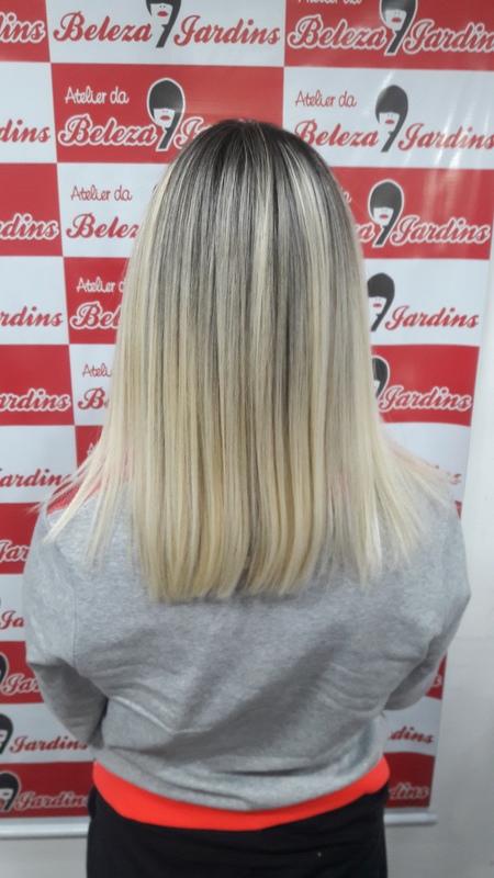 Hidratação com Escova  cabelo auxiliar cabeleireiro(a)