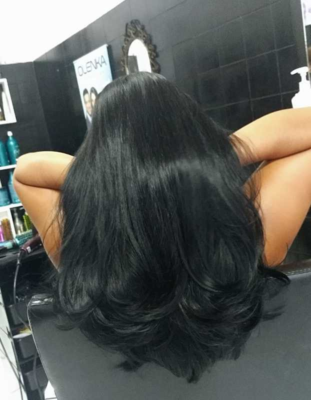 Corte e escova cabelo cabeleireiro(a) auxiliar cabeleireiro(a) maquiador(a) manicure e pedicure designer de sobrancelhas