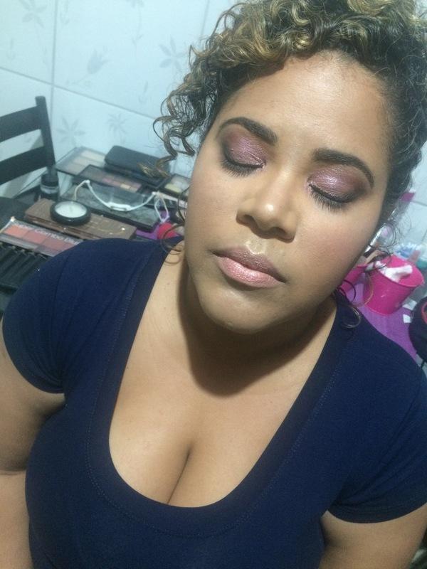 maquiagem maquiador(a) designer de sobrancelhas recepcionista
