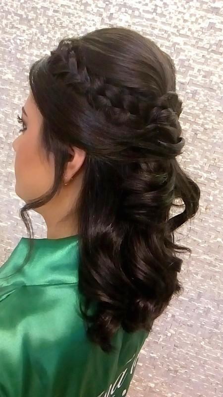 Penteado de madrinha cabelo maquiador(a) auxiliar cabeleireiro(a)