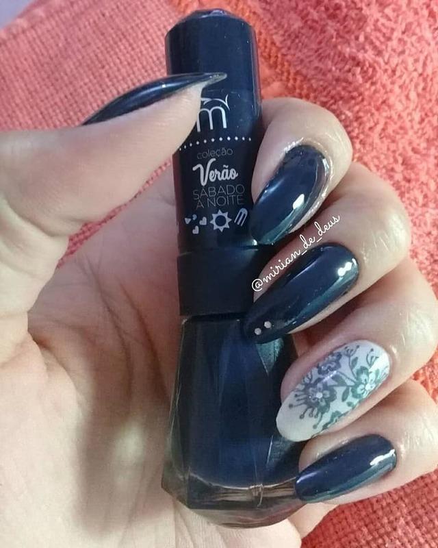 Nail Art, filha única com carimbo floral. unha manicure e pedicure