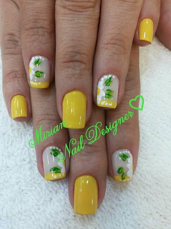 Nail Art Floral, feita a mão casadinho, com francesinha. unha manicure e pedicure