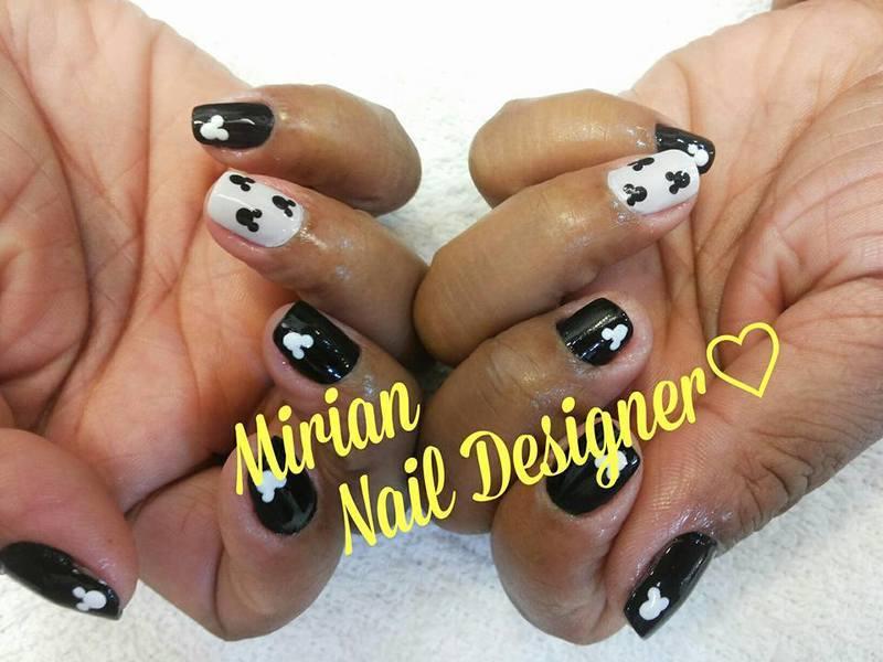 Nail Art Mickey, feita a mão. unha manicure e pedicure