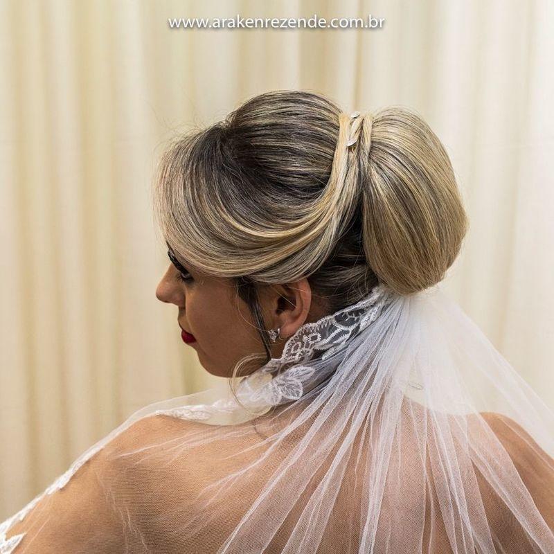 Penteados de noivas e madrinhas cabelo cabeleireiro(a)