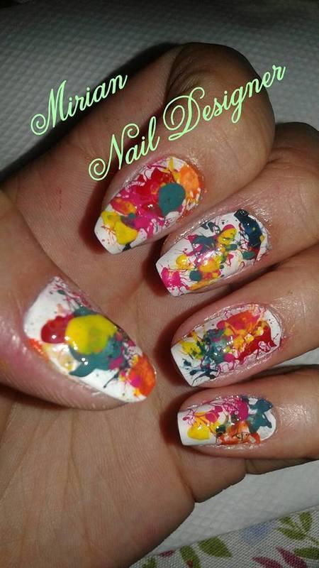 Nail Art Gotas de Tinta, feito a mão com canudo. unha manicure e pedicure