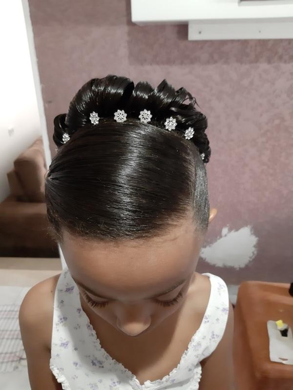 Penteado para florista....  cabelo cabeleireiro(a) auxiliar cabeleireiro(a)