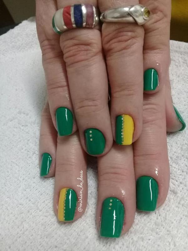 Naul Art Brasil, feito a mão com ponto de luz. unha manicure e pedicure