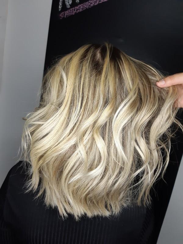 Luzes 💜 #loiro #luzes #amooquefaco cabelo cabeleireiro(a) auxiliar cabeleireiro(a) escovista