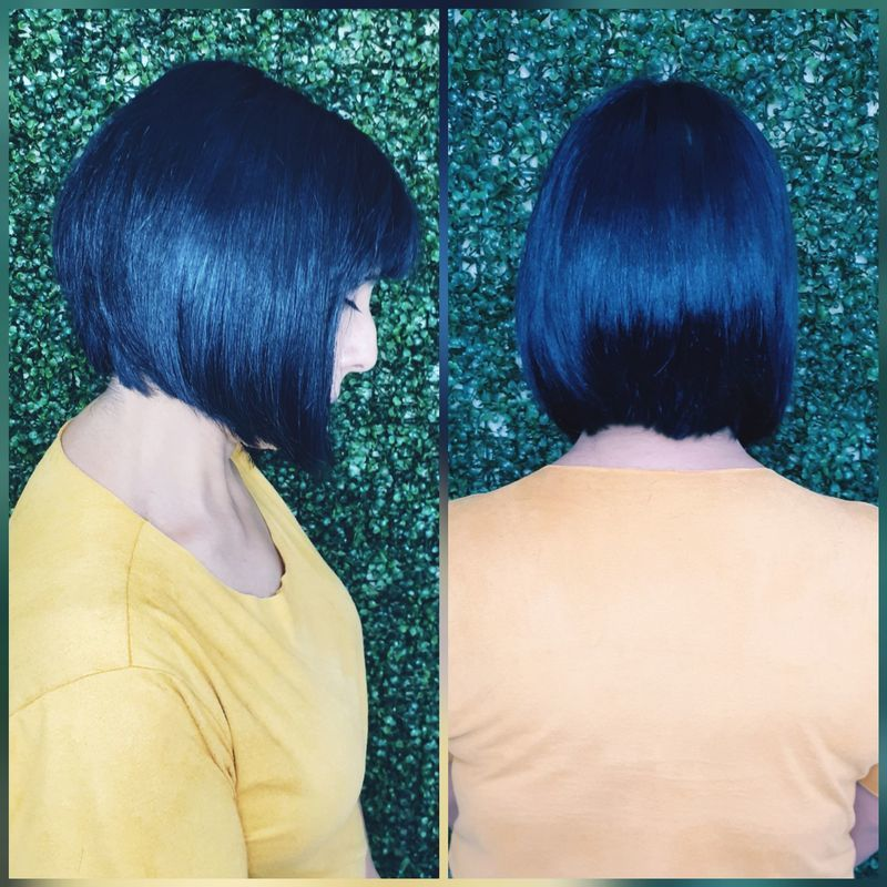 Corte desfiado com leve bico. cabelo cabeleireiro(a)