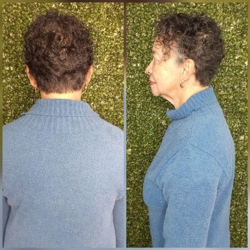 Mudança de longo para curto. cabelo cabeleireiro(a)