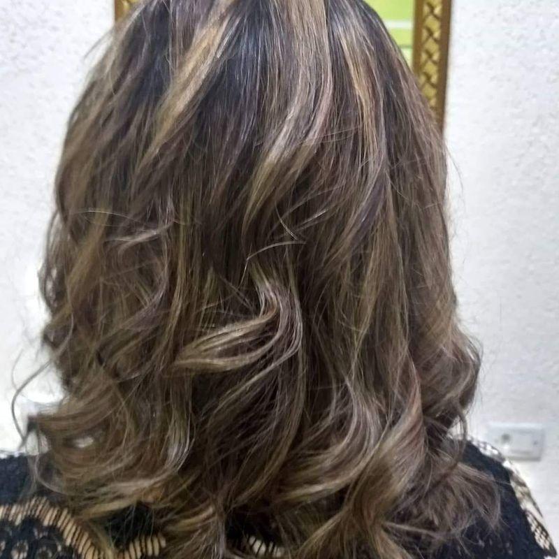 Mechas cabelo cabeleireiro(a) cabeleireiro(a)