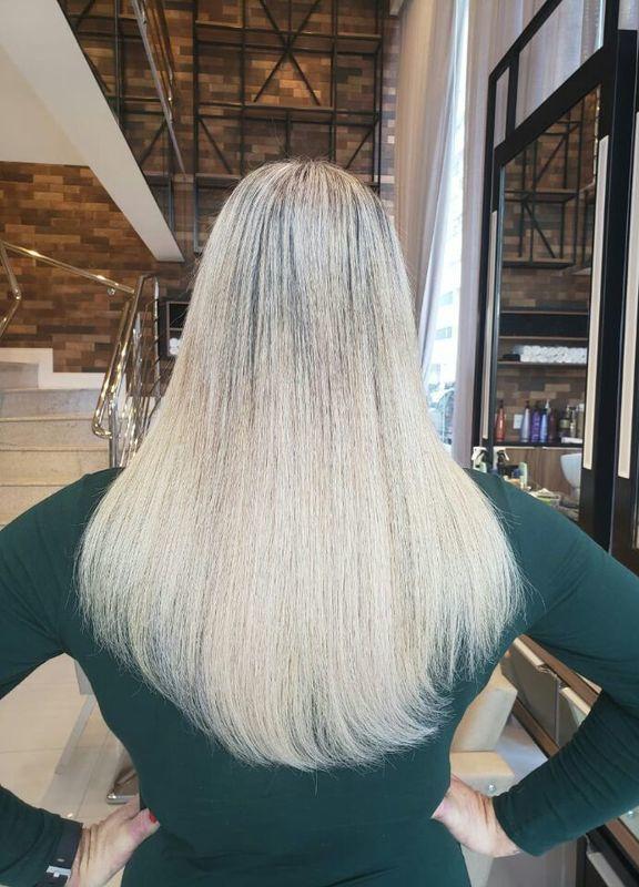 Mega hair e retoque de mechas. cabeleireiro(a) designer de sobrancelhas cabeleireiro(a) cabeleireiro(a) cabeleireiro(a)