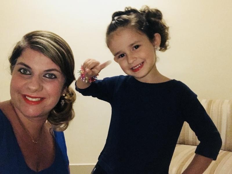 Penteado e make rápidas para mamãe e filha. cabelo cabeleireiro(a) maquiador(a)