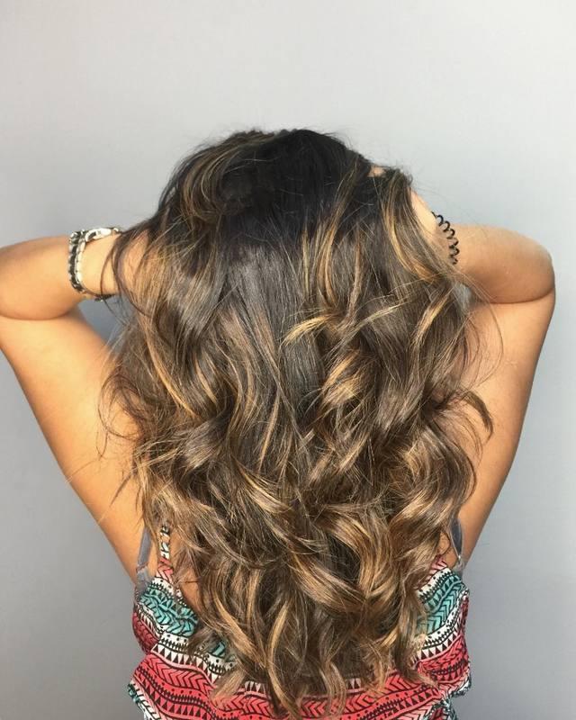 """""""Trabalhe em algo que você realmente goste, e você nunca precisará trabalhar na vida."""" #morenailuminada #hair #love #salaodebeleza #hairstyle #waveshair #brunette #cabelo #beleza #santoandre cabelo cabeleireiro(a) stylist / visagista maquiador(a) designer de sobrancelhas"""