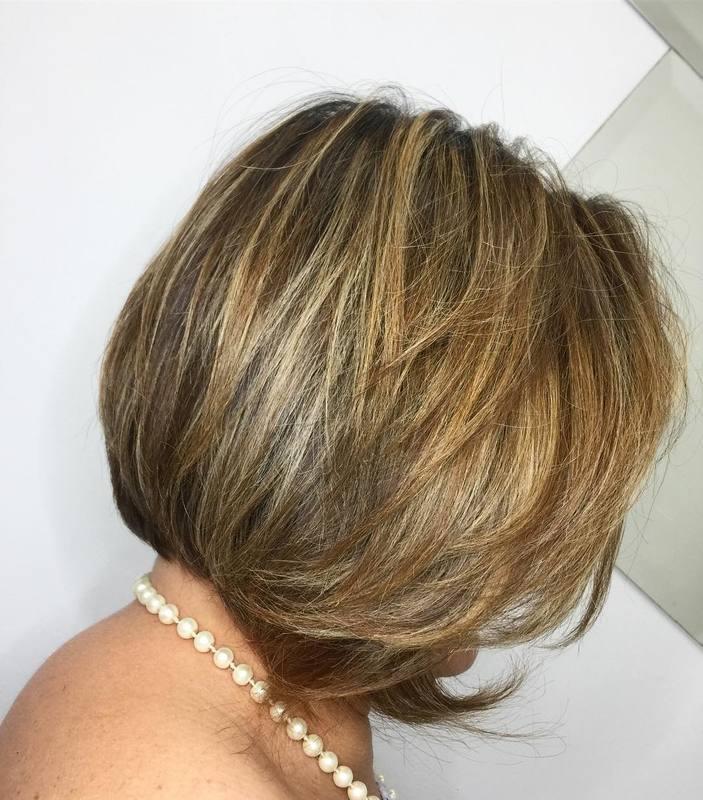 Quem aqui AMA um Chanel? 🙋🏻♀️ Bora radicalizar? . . . . . #hair #love #haircut #blondehair #loirodourado #cortechanel #cortecurto #shorthair #shorthairstyles cabelo cabeleireiro(a) stylist / visagista maquiador(a) designer de sobrancelhas