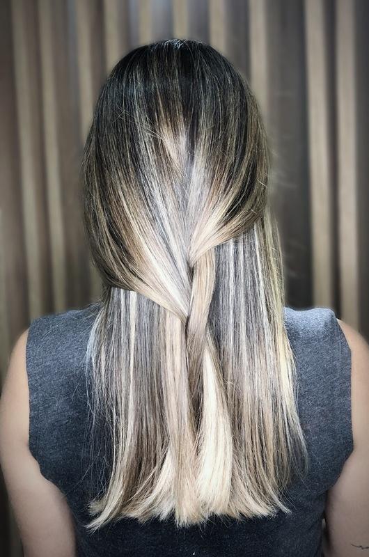 Luzes  #luzes #ombrehair #morenailuminada #loiros cabelo cabeleireiro(a) maquiador(a)