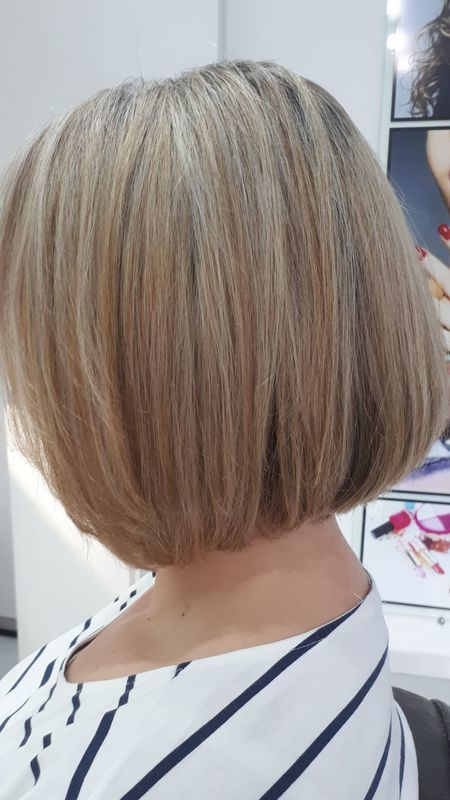Cuidado com a cor, mechas com matizacao 9.1, botox para manter melhor o corte na residência. cabelo cabeleireiro(a) depilador(a) manicure e pedicure