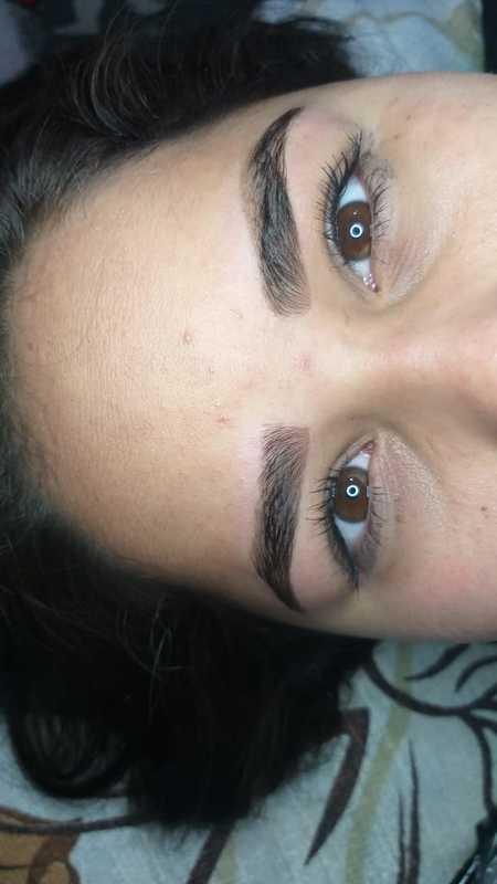 Design com henna  micropigmentador(a) dermopigmentador(a) designer de sobrancelhas assistente esteticista