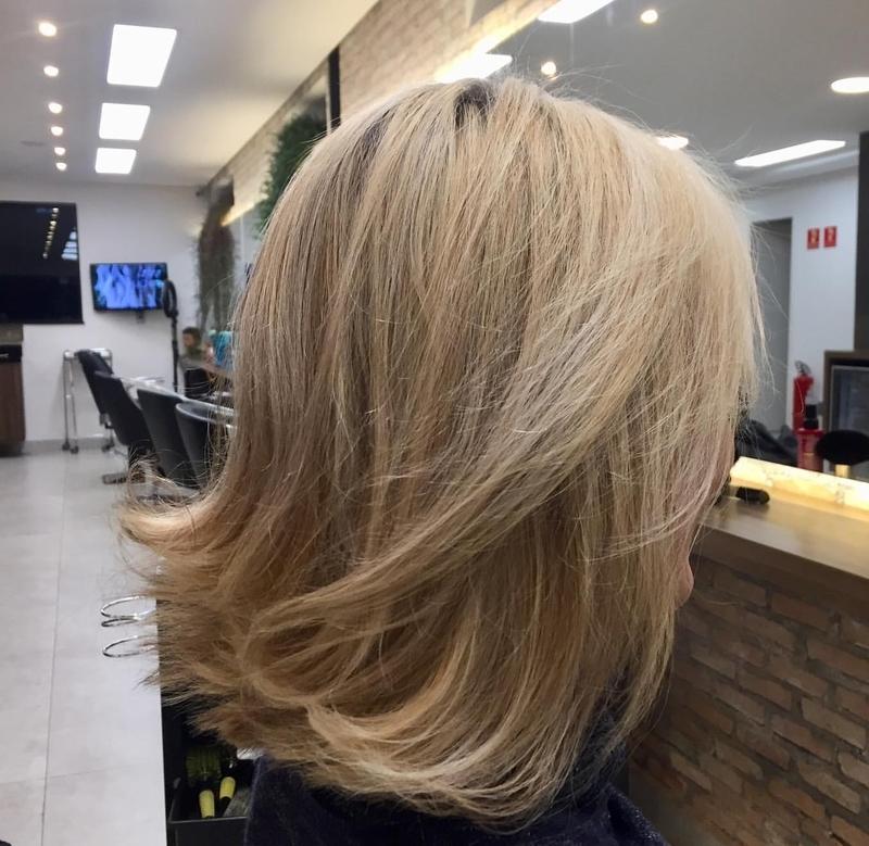Loiro pérola  #blondhair #luzes #loiro #blonds #loiroiluminado #loiroperfeito #loirodourado#loiroiluminado #blondhair #beauty  #trend #cabelo #haircut #cut #cortechanel #newlook #lady #instafeed #instainfluencer #fashionbloggers #diva #tendência cabelo cabeleireiro(a) maquiador(a)