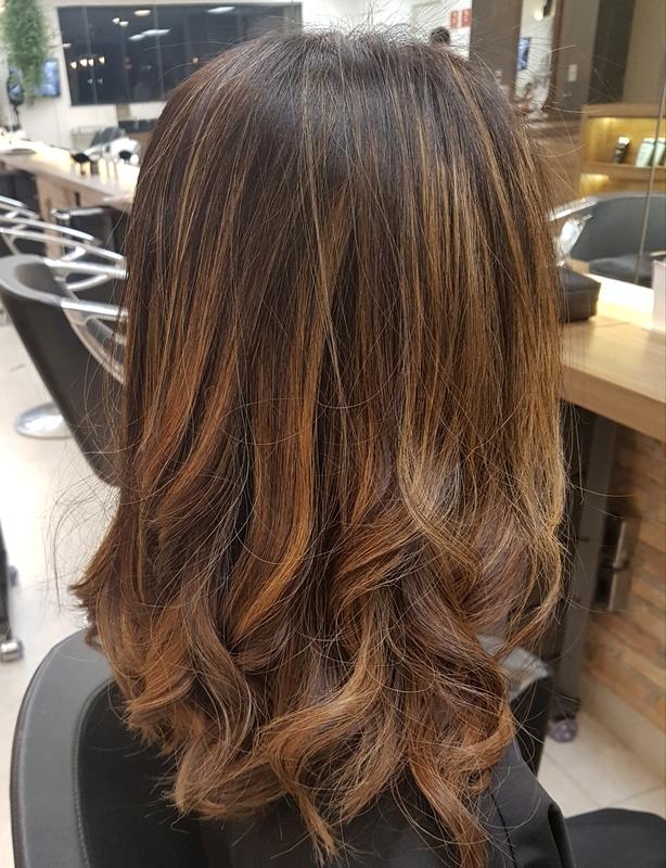 Morena iluminada para oriental  #morenailuminada #morenas #oriental #hair #blondhair #luzes  #loiro #loiroiluminado #loirodourado  #blondhair #beauty  #trend #cabelo #newlook #lady #instafeed #instainfluencer #fashionbloggers #diva #tendencia #loiroperfeito cabelo cabeleireiro(a) maquiador(a)