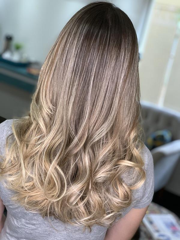 cabelo cabeleireiro(a) consultor(a) em imagem designer de sobrancelhas stylist visagista