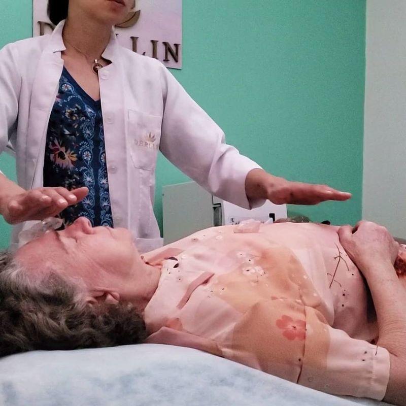 Terapia Reiki outros esteticista massoterapeuta aromaterapeuta acupunturista outros
