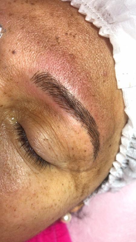 Microblading  estética designer de sobrancelhas micropigmentador(a)