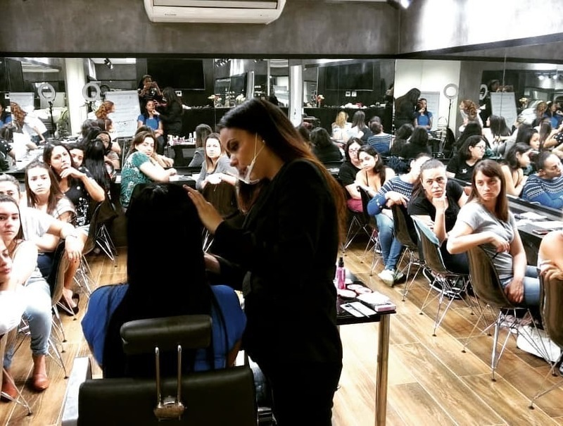 outros esteticista maquiador(a)
