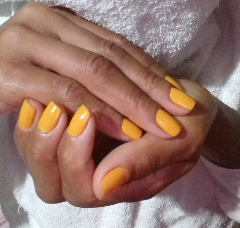 Aquele amarelo 😍 unha manicure e pedicure maquiador(a) auxiliar cabeleireiro(a)