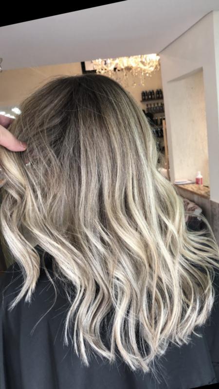 Loiro bege! cabelo auxiliar cabeleireiro(a) cabeleireiro(a) auxiliar cabeleireiro(a)