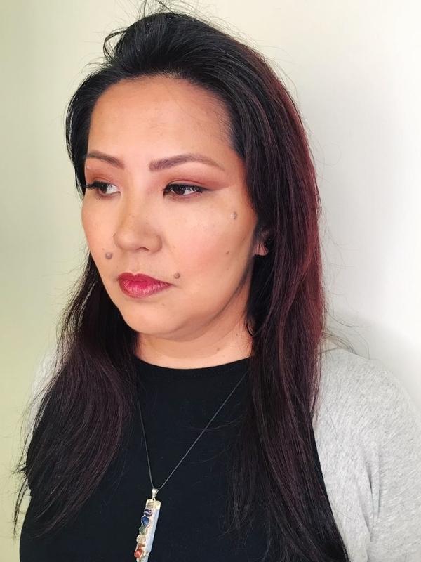 Pele oriental maquiagem maquiador(a) designer de sobrancelhas